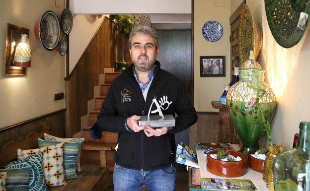 Melchor Tito recibió su Premio a la Artesanía de Andalucía